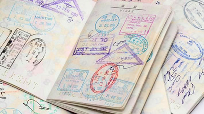 Voraussetzungen für die Arbeitsaufnahme und die Erteilung eines Visums